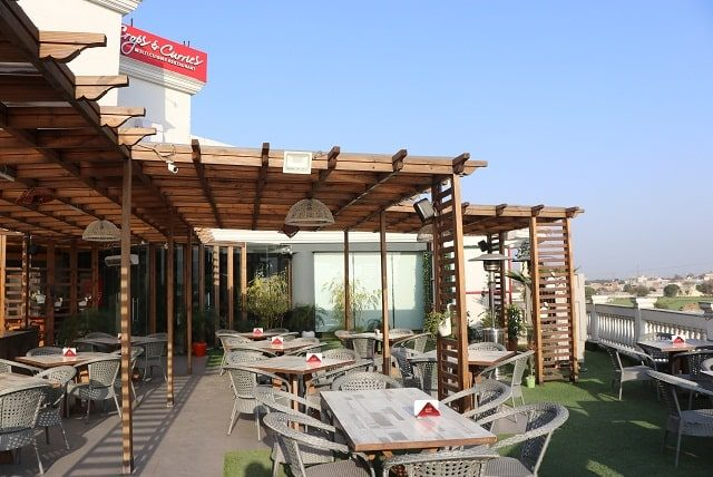 Looking to celebrate an occasion or host a party or simply surprising your family? Visit multi-cuisine Crops & Curries rooftop restaurant in Ghaziabad.